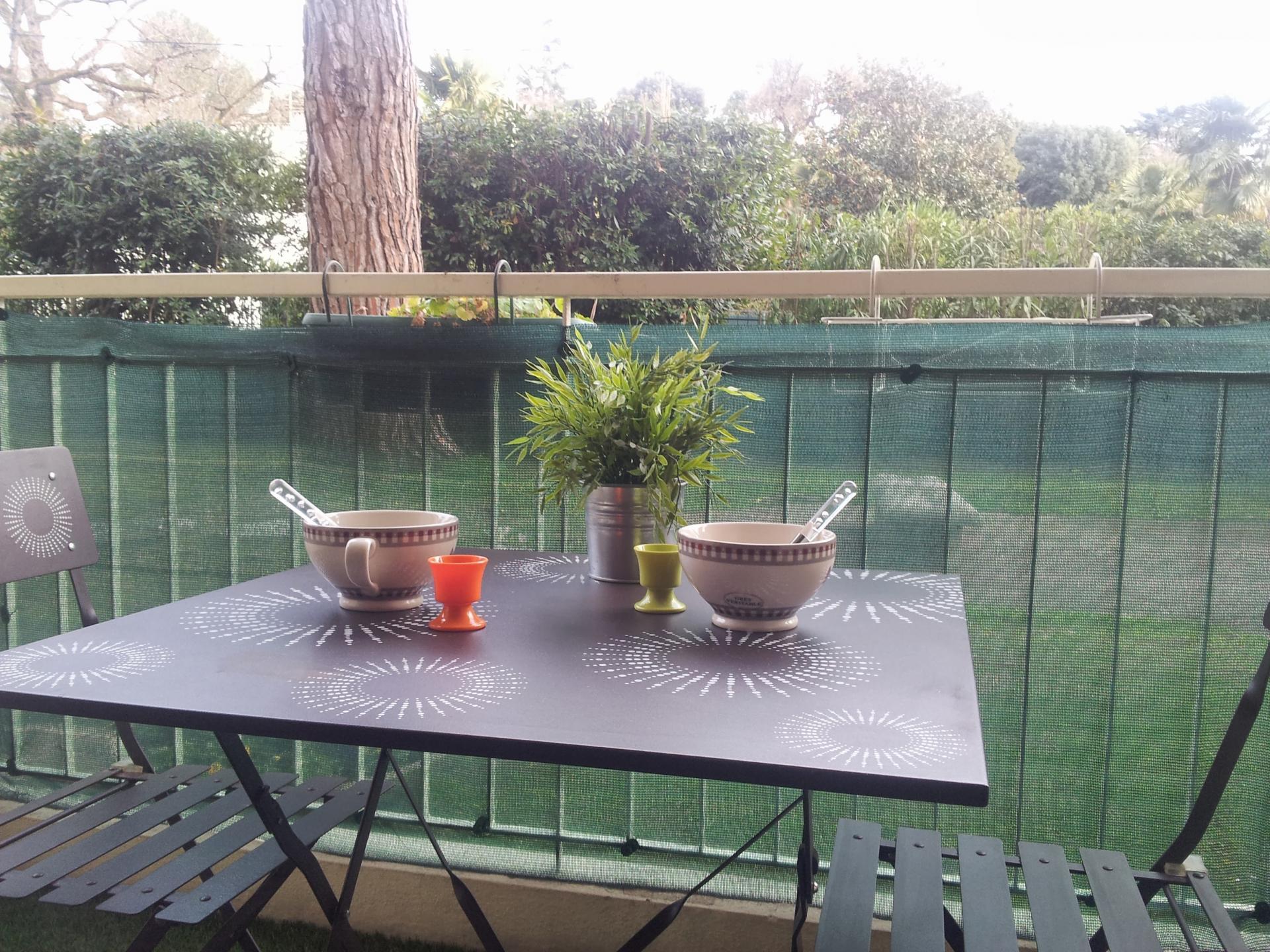 studio 4 personnes balcon wifi parking climatisation. Black Bedroom Furniture Sets. Home Design Ideas